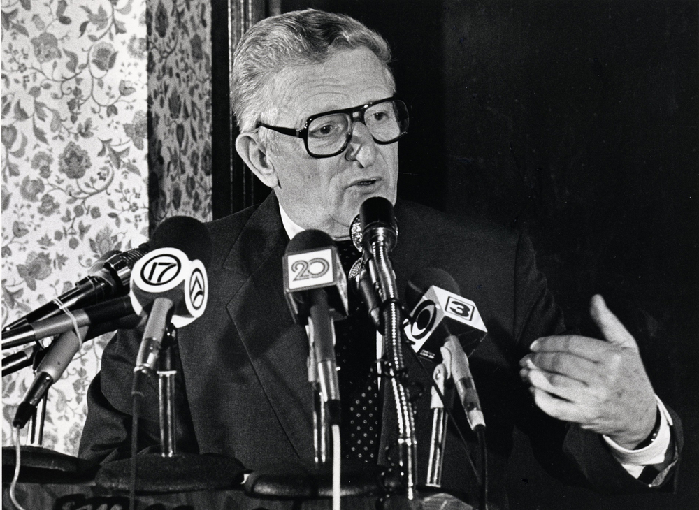 Mayoral candidate Ossie Langfelder during a forum at the American Business Club October, 1987. File/The State Journal-Register