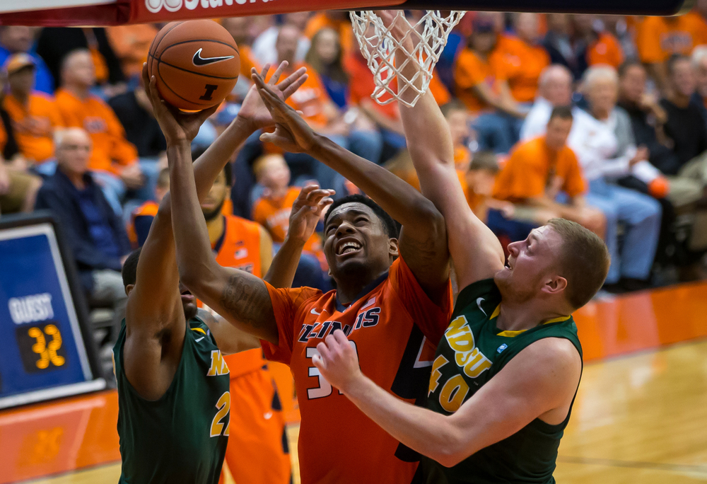 University of Illinois' Mike Thorne Jr. (33) battles inside against North Dakota State University's Dexter Werner (40) during the first half at the Prairie Capital Convention Center, Sunday, Nov. 15, 2015, in Springfield, Ill. Justin L. Fowler/The State Journal-Register