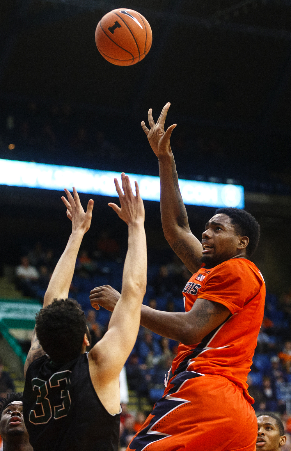 Illinois' Mike Thorne Jr. floats a shot past Chicago State's Jordan Madrid-Andrews at the Praire Capital Convention Center Monday, Nov. 23, 2015. Ted Schurter/The State Journal-Register