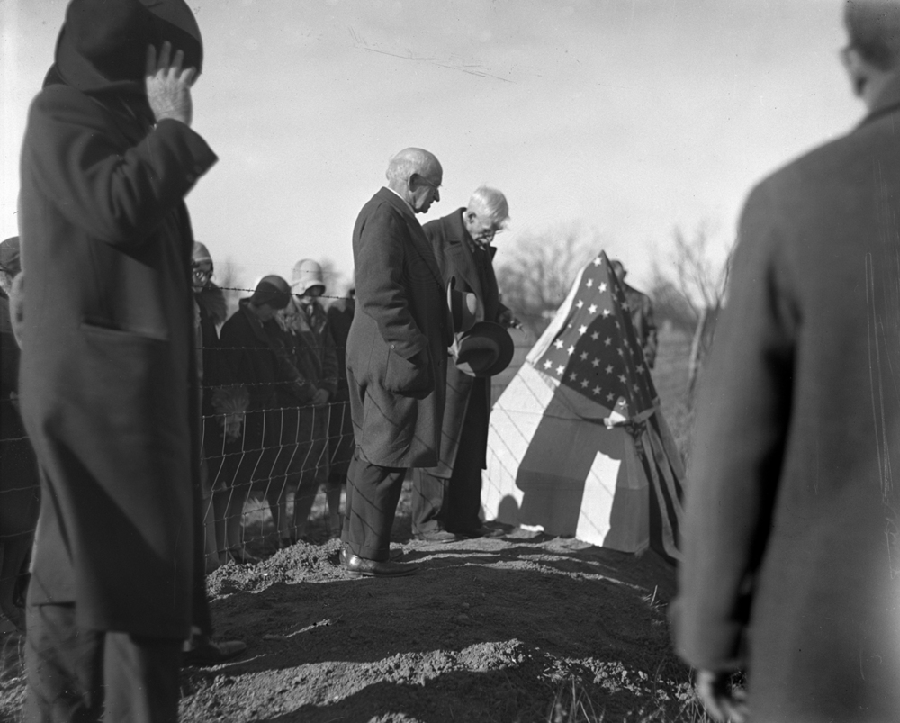 Dedication of Robert  Pulliam marker near Glenarm where in 1817 Pulliam constructed the first log cabin in Sangamon County, Nov. 23, 1930. Illinois State Journal glass plate negative/Sangamon Valley Collection at Lincoln Library. All Rights Reserved, The State Journal-Register. C-98-1144 neg. #788. Pub. ISJ Nov. 23, 1930. (see also C-98-996)