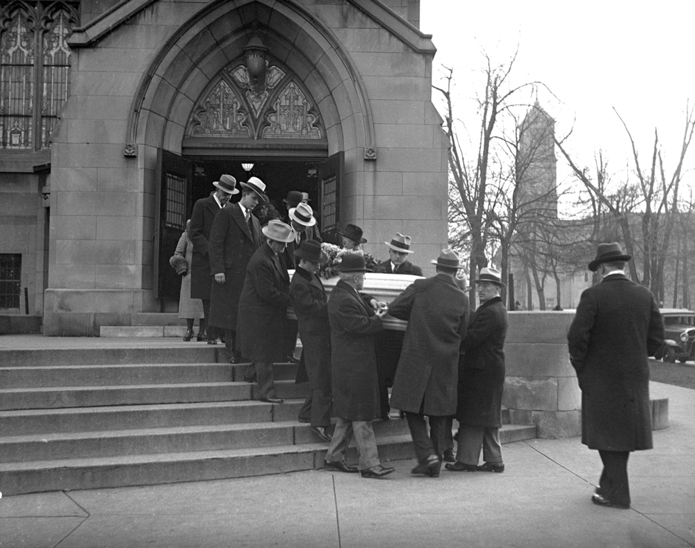 Pallbearers carry Vachel Lindsay's coffin to the hearse outside First Christian Church at Sixth and Cook streets, Dec. 7, 1931. File/The State Journal-Register