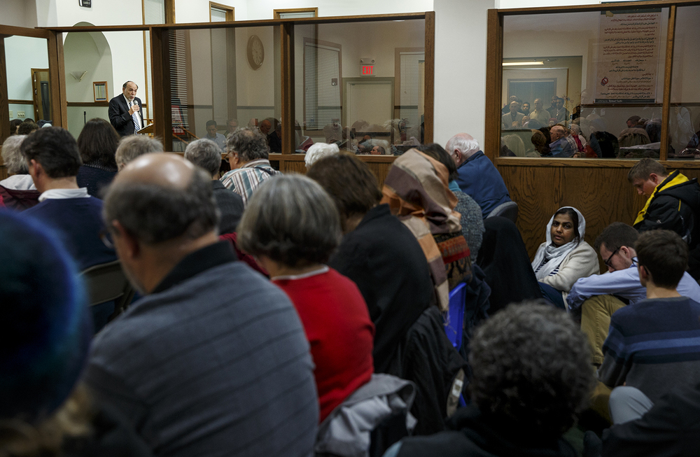 Rabbi Barry Marks of Temple Israel speaks during the Interfaith Peace Vigil at the Islamic Society of Greater Springfield's masjid Sunday, Dec. 13, 2015. Ted Schurter/The State Journal-Register
