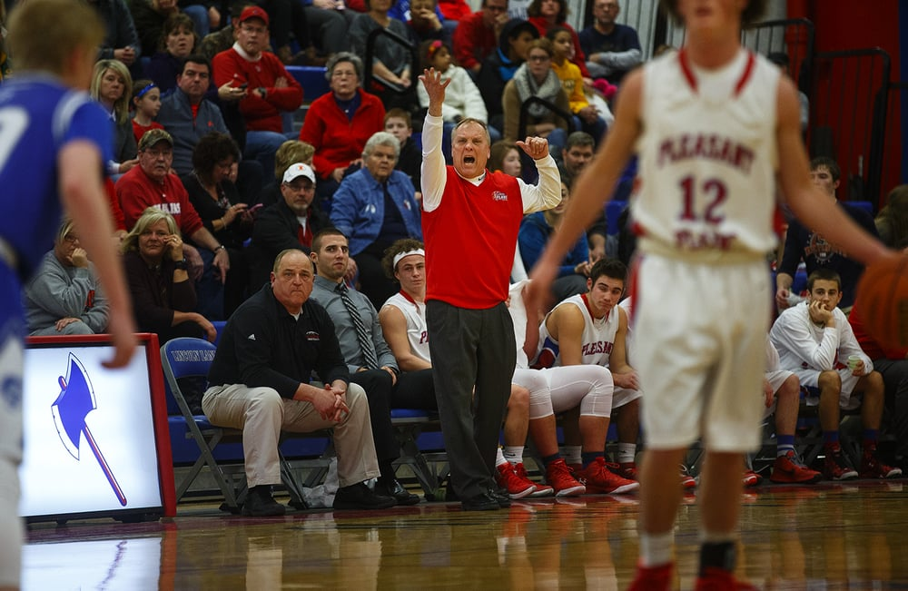 Pleasant Plains' head coach Cliff Cameron shouts to the Cardinals as they bring the ball up against Auburn during the semifinals of the Sangamon County Boys Basketball Tournament Wednesday, Jan. 13, 2016. Ted Schurter/The State Journal-Register