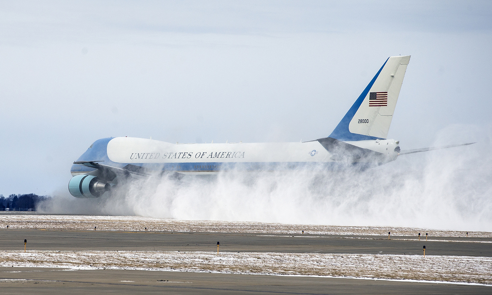 Air Force One kicks up a cloud of snow after touching down at the Abraham Lincoln Capital Airport, Wednesday, Feb. 10, 2016, in Springfield, Ill. Justin L. Fowler/The State Journal-Register