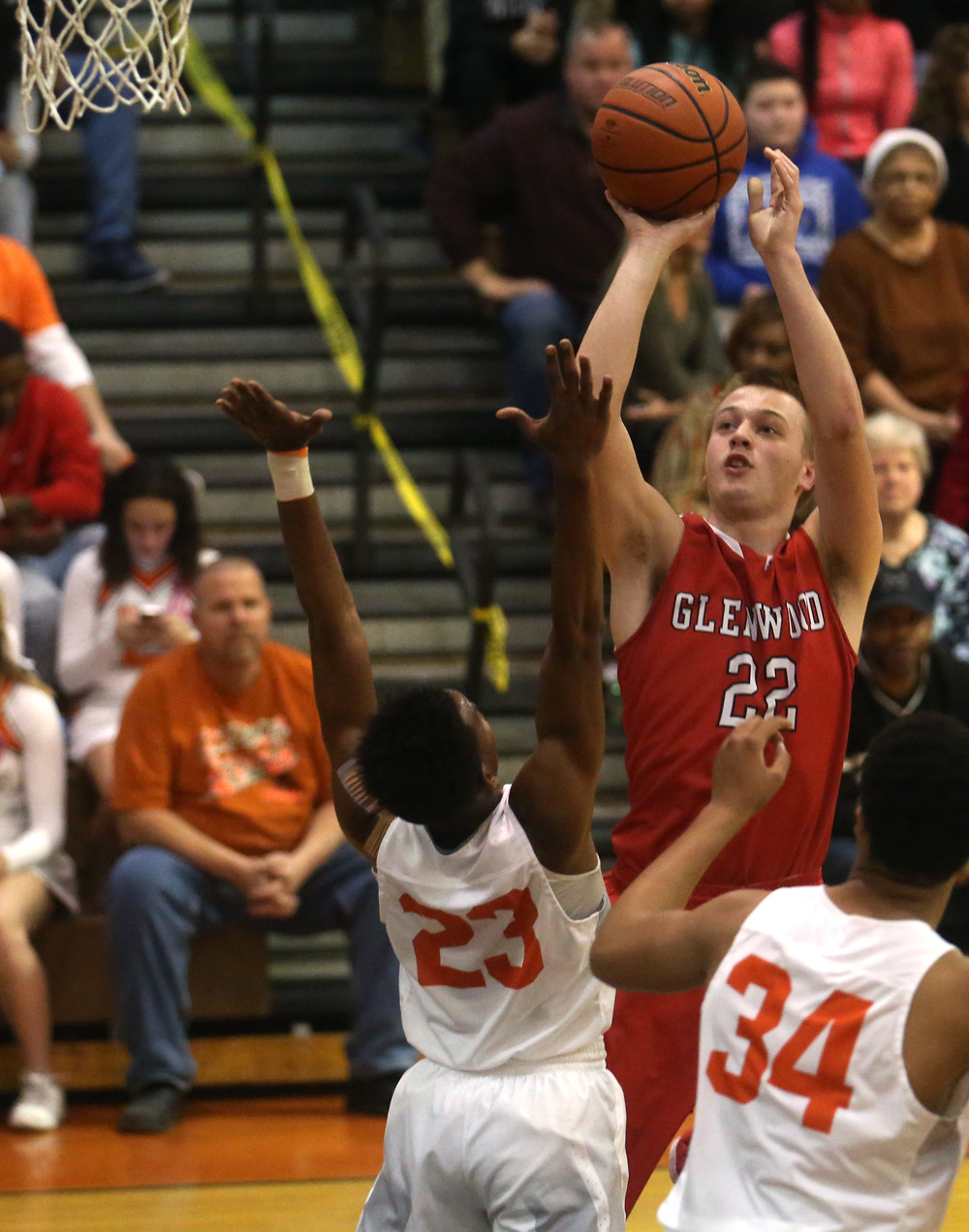 Glenwood's Parker Allen prepares to launch two points. David Spencer/The State Journal Register