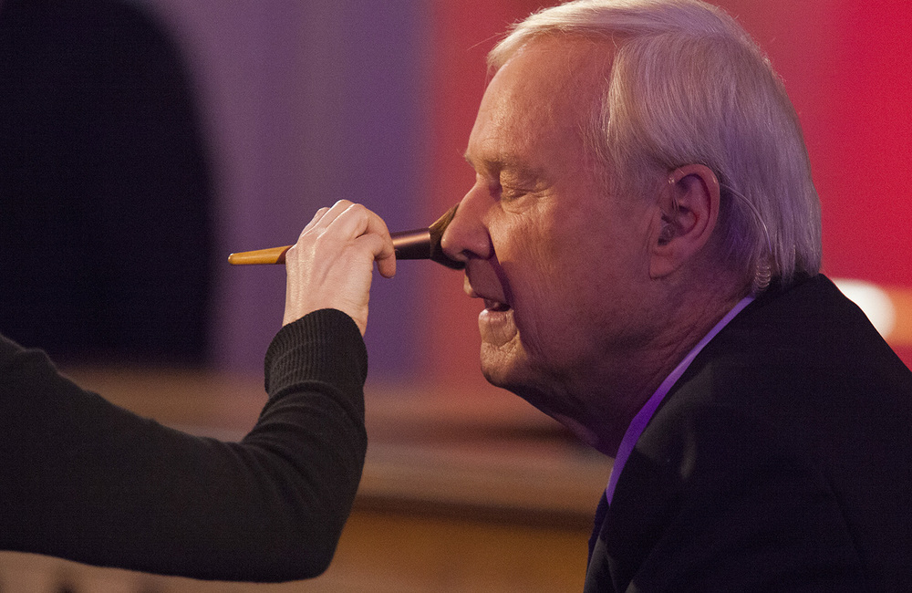MSNBC host Chris Matthews has his makeup freshened during a break in the the taping of a town hall meeting with Democratic presidential candidate Hillary Clinton hosted by the cable TV network at the Old State Capitol State Historic Site in Springfield, Ill. Monday, March 14, 2016. Rich Saal/The State Journal-Register