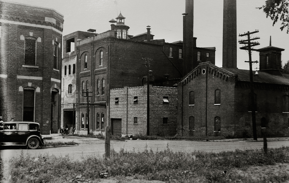 Another view of the Reisch Brewery, with North Rutledge St. at the bottom, probably dates to the 1930's. Photograph courtesy Sangamon Valley Collection at Lincoln Library