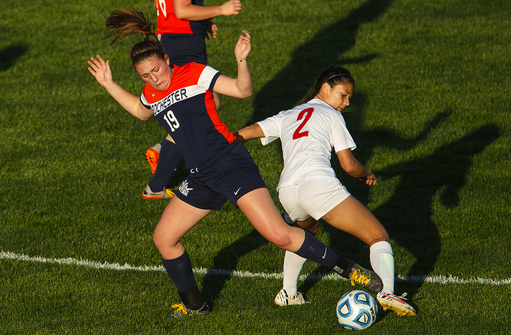Rochester's Maddie Capps controls the ball against Chatham Glenwood's Taylor Parriott at Chatham Glenwood High School Tuesday, May 10, 2016. Ted Schurter/The State Journal-Register