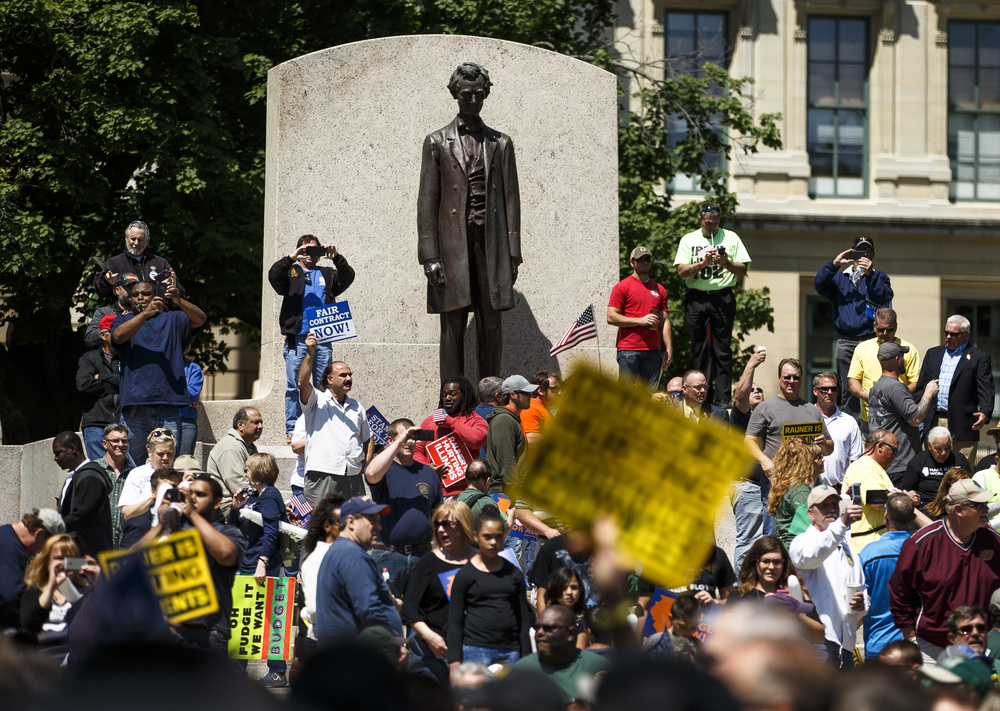 "Union supporters fill in around the Abraham Lincoln statue as thousands march on the Illinois State Capitol for the ""Rauner is Hurting Illinois"" rally at the Illinois State Capitol, Wednesday, May 18, 2016, in Springfield, Ill. Justin L. Fowler/The State Journal-Register"