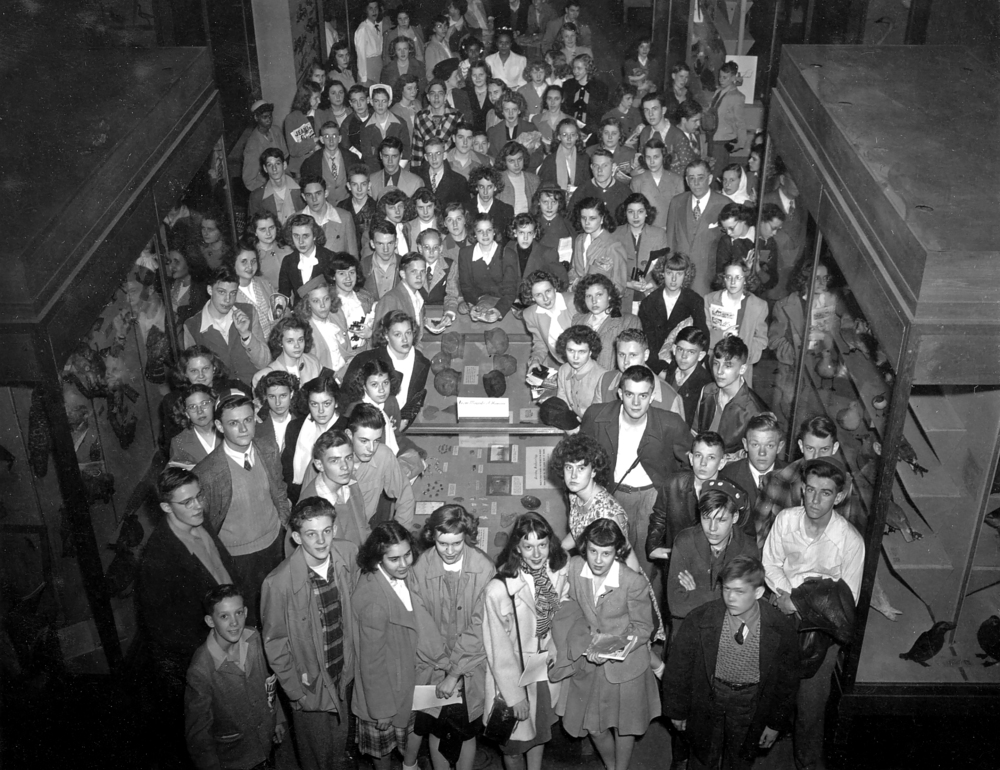Students visiting the Illinois State Museum in the Centennial Building, c.1950. Photo courtesy Illinois State Museum