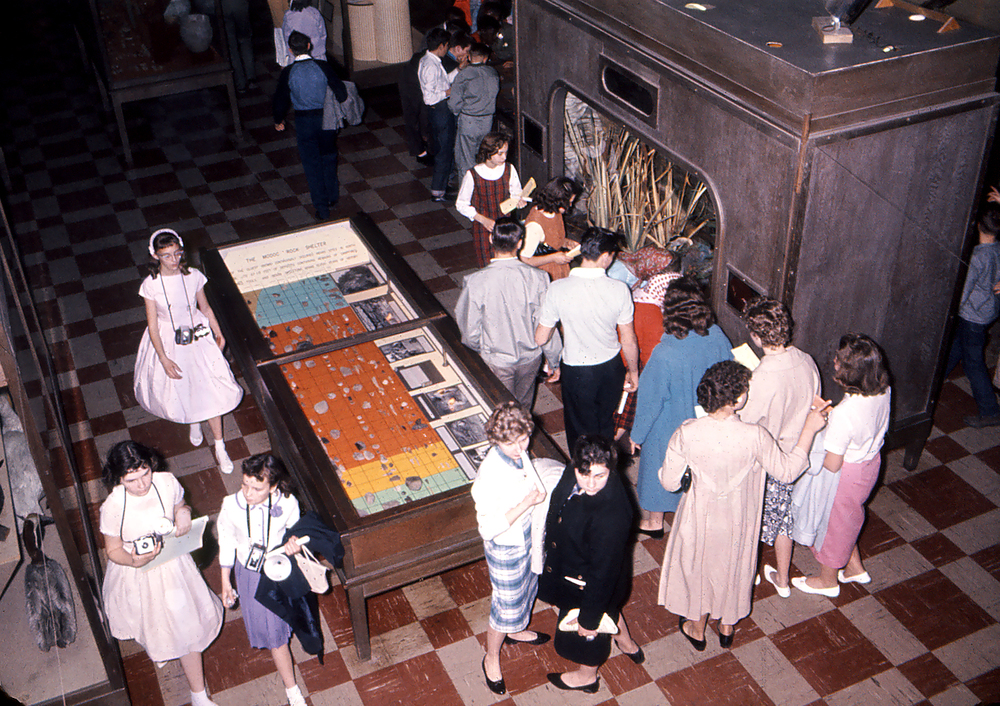 Students visiting Illinois State Museum exhibits at the Centennial Building, circa 1950. Photo courtesy Illinois State Museum