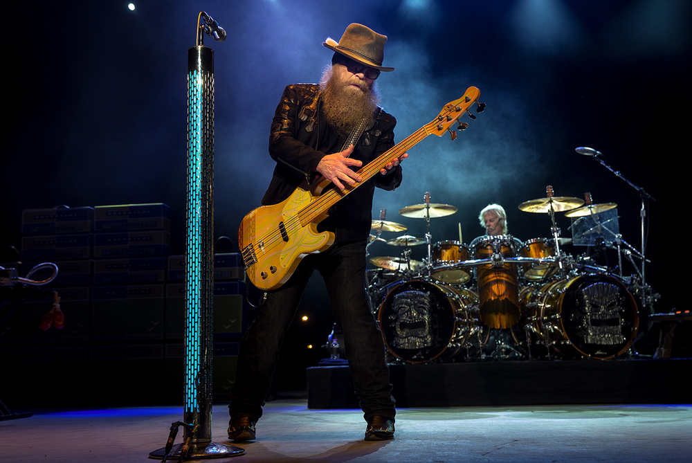 ZZ Top's Dusty Hill plays bass at the Illinois State Fair Sunday, Aug. 21, 2016. Ted Schurter/The State Journal-Register