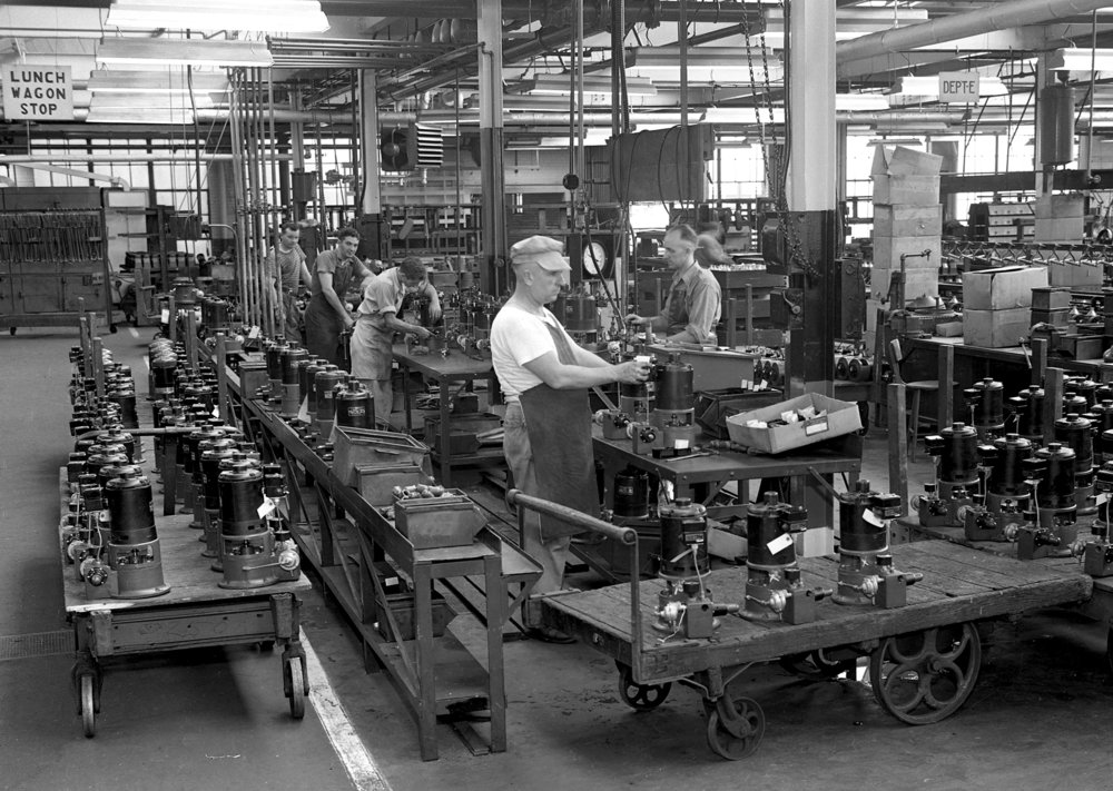 Hummer Manufacturing, September 12, 1945. File/The State Journal-Register