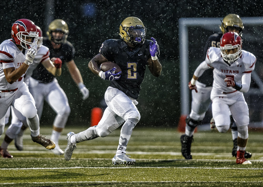 Sacred Heart-Griffin's Tremayne Lee (2) takes off on a 72-yard touchdown run against Glenwood in the first half at the SHG Sports Complex, Friday, Sept. 16, 2016, in Springfield, Ill. Lee had 274 yards and five touchdowns on 11 carries in the first half of the game. Justin L. Fowler/The State Journal-Register
