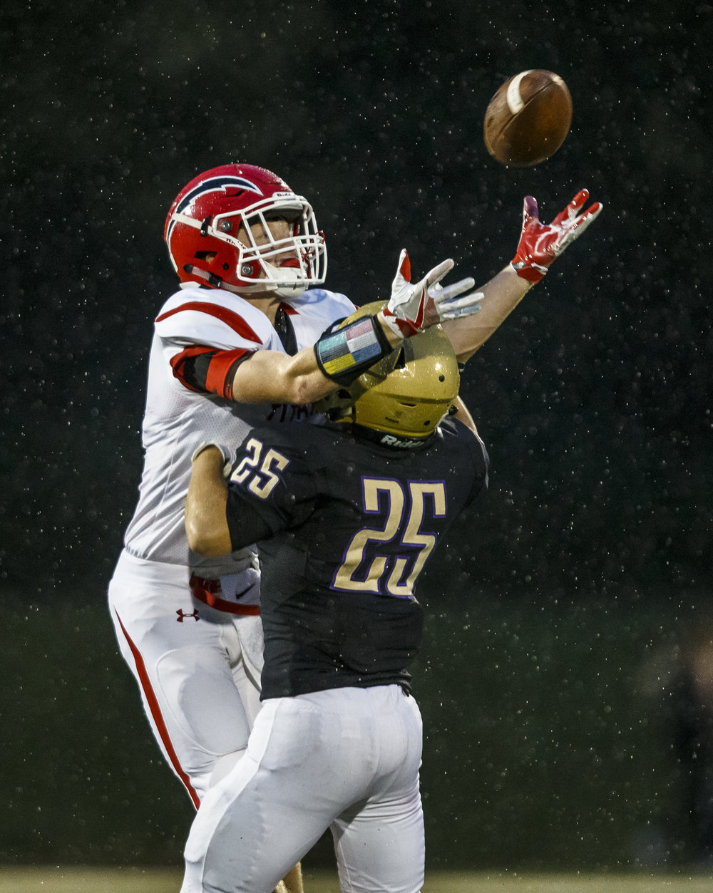 Sacred Heart-Griffin's Joey Milbrandt (25) is called for pass interference as Glenwood's Brandon Hay (8) tries to catch a pass in the first half at the SHG Sports Complex, Friday, Sept. 16, 2016, in Springfield, Ill. Justin L. Fowler/The State Journal-Register