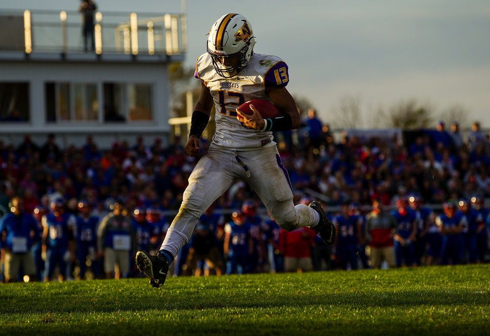 Williamsville's Jace Franklin scores one of his four touchdowns against Carlinville during the class 3A football playoffs at Carlinville High School Saturday, Nov. 5, 2016. Ted Schurter/The State Journal-Register