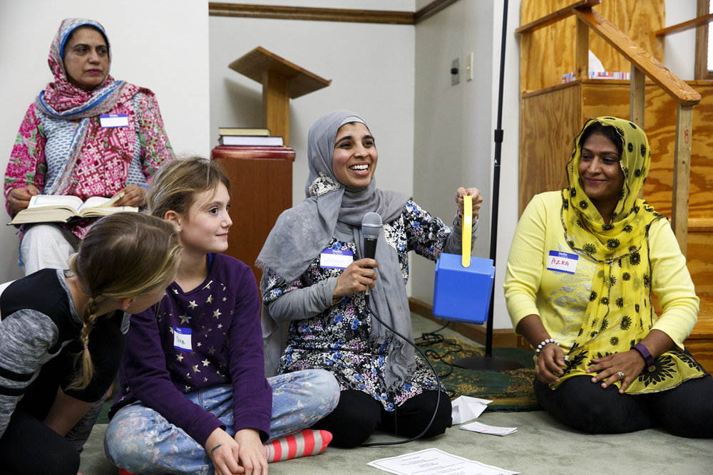 Umbreen Jabbar, center, organized the Children of Abraham program at the Islamic Society of Greater Springfield mosque Wednesday, Nov. 16, 2016. The gatherings bring together kids from different faiths to build bridges and friendships at a young age. Rich Saal/The State Journal-Register