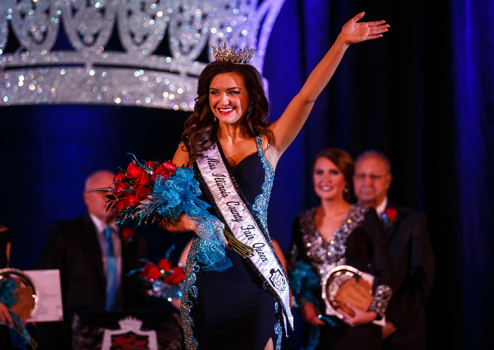 Claudia VanOpdorp, of Henry County, waves to the crowd after being crowned Miss Illinois County Fair Queen during the 2017 Miss Illinois County Fair Queen Pageant at the Crowne Plaza, Sunday, Jan. 22, 2017, in Springfield, Ill. Justin L. Fowler/The State Journal-Register