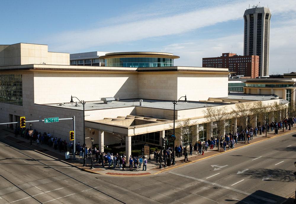 Over 900 fans stand in line along Sixth Street for their chance to be photographed with the Chicago Cubs World Series trophy at the Abraham Lincoln Presidential Museum, Wednesday, March 8, 2017, in Springfield, Ill. [Justin L. Fowler/The State Journal-Register