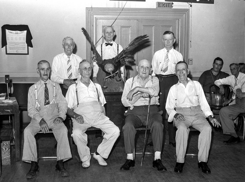 Springfield aerie 437, Fraternal Order of the Eagles, holds 40th anniversary celebration July 21, 1943. Pub. ISJ July 22, 1943, p.4.