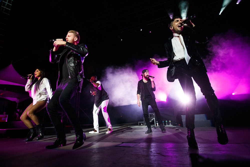 "Singers Kirstin Maldonado, left, Scott Hoying, Kevin Olusola, Avi Kaplan and Mitch Grassi, of Pentatonix perform ""Cheerleader"" on the Grandstand stage at the Illinois State Fairgrounds, Saturday, Aug. 12, 2017, in Springfield, Ill. [Justin L. Fowler/The State Journal-Register]"
