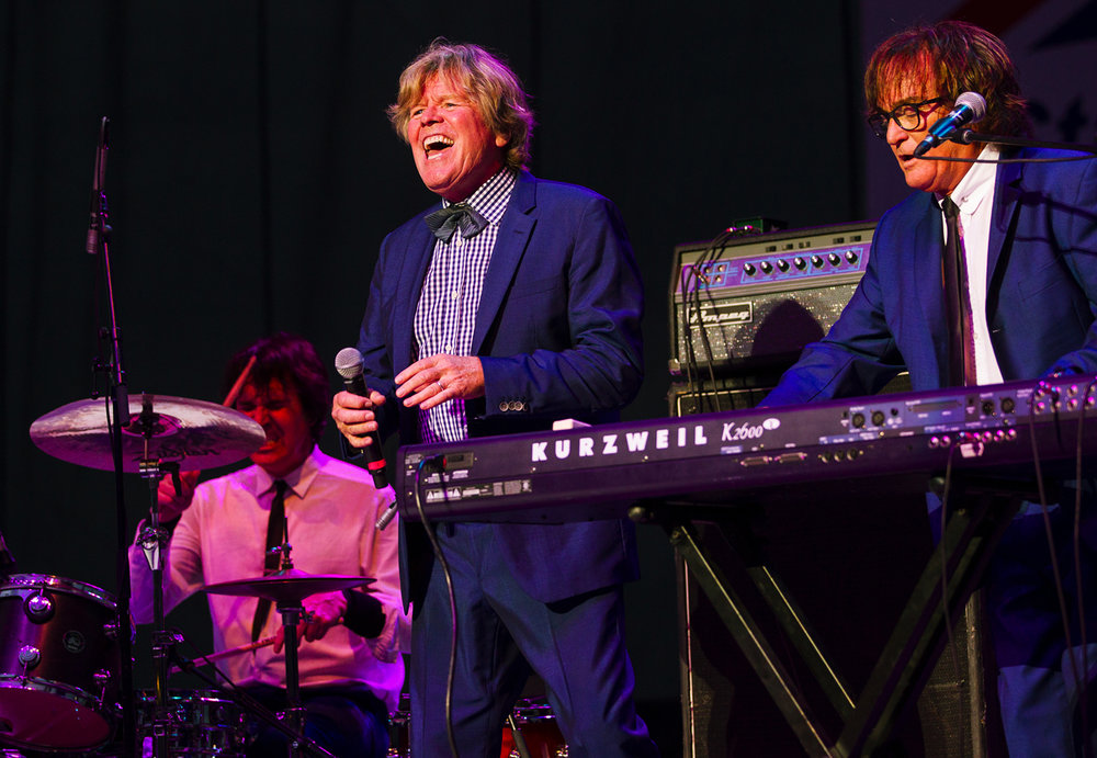 Peter Noone performs with Herman's Hermits, including Dave Ferrara on drums and Rich Spina on the keyboard during the Illinois State Fair Monday, Aug. 14, 2017. The English beat rock band, formed in Manchester in 1964. [Ted Schurter/The State Journal-Register]