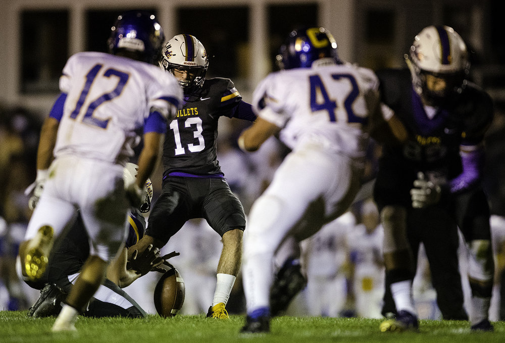 Williamsville's Joseph Mitchell kicks a field goal against Maroa-Forsyth at Williamsville High School Friday, Sept. 8, 2017. [Ted Schurter/The State Journal-Register]