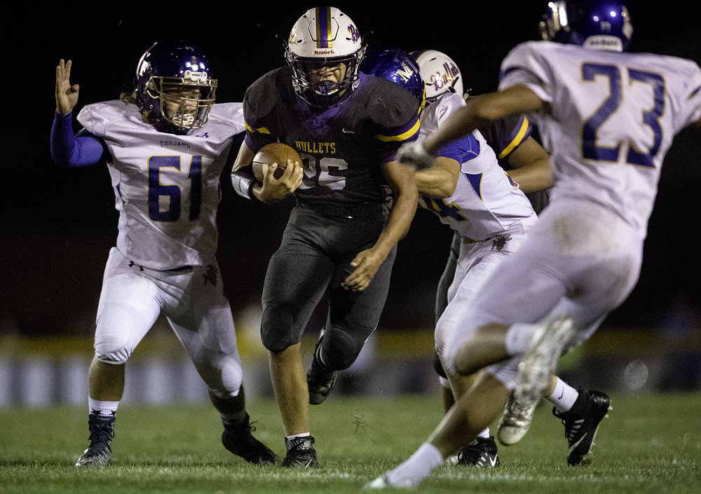 Williamsville's Trevor Shue runs upfield against Maroa-Forsyth at Williamsville High School Friday, Sept. 8, 2017. [Ted Schurter/The State Journal-Register]