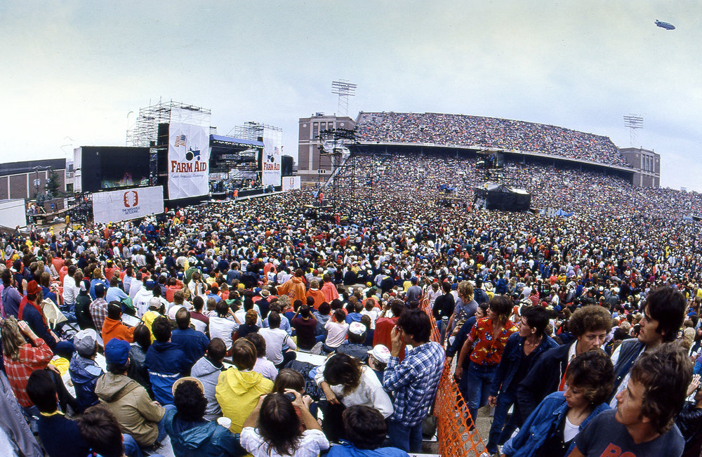 A crowd of 80,000 jammed Memorial Stadium in Champaign, Ill. for the Farm Aid concert Sept. 22, 1985. [File/The State Journal-Register]