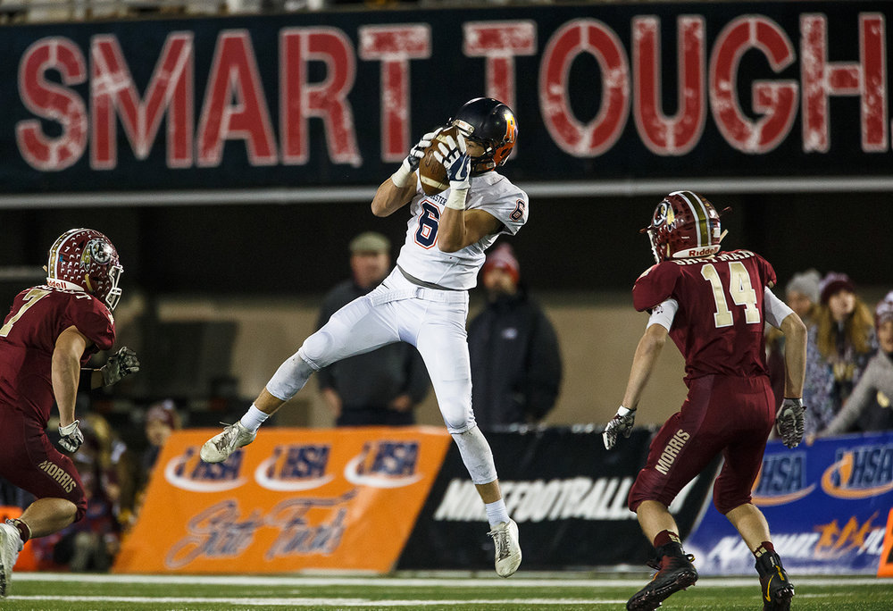 Rochester's Cade Eddington (6) pulls in a catch against Morris in the fourth quarter during the IHSA Class 4A State Championship at Huskie Stadium, Friday, Nov. 24, 2017, in Dekalb, Ill. [Justin L. Fowler/The State Journal-Register]
