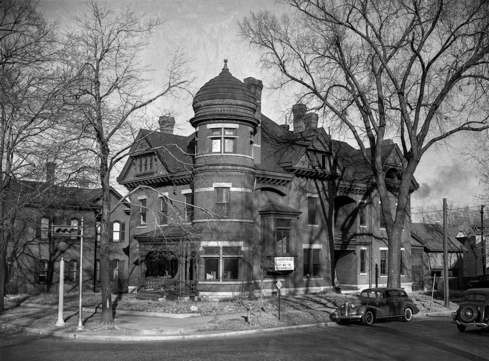 house scheduled for demolition Dec. 8, 1940. File/The State Journal-Registerpicpast; spihistory; architecture; demolition