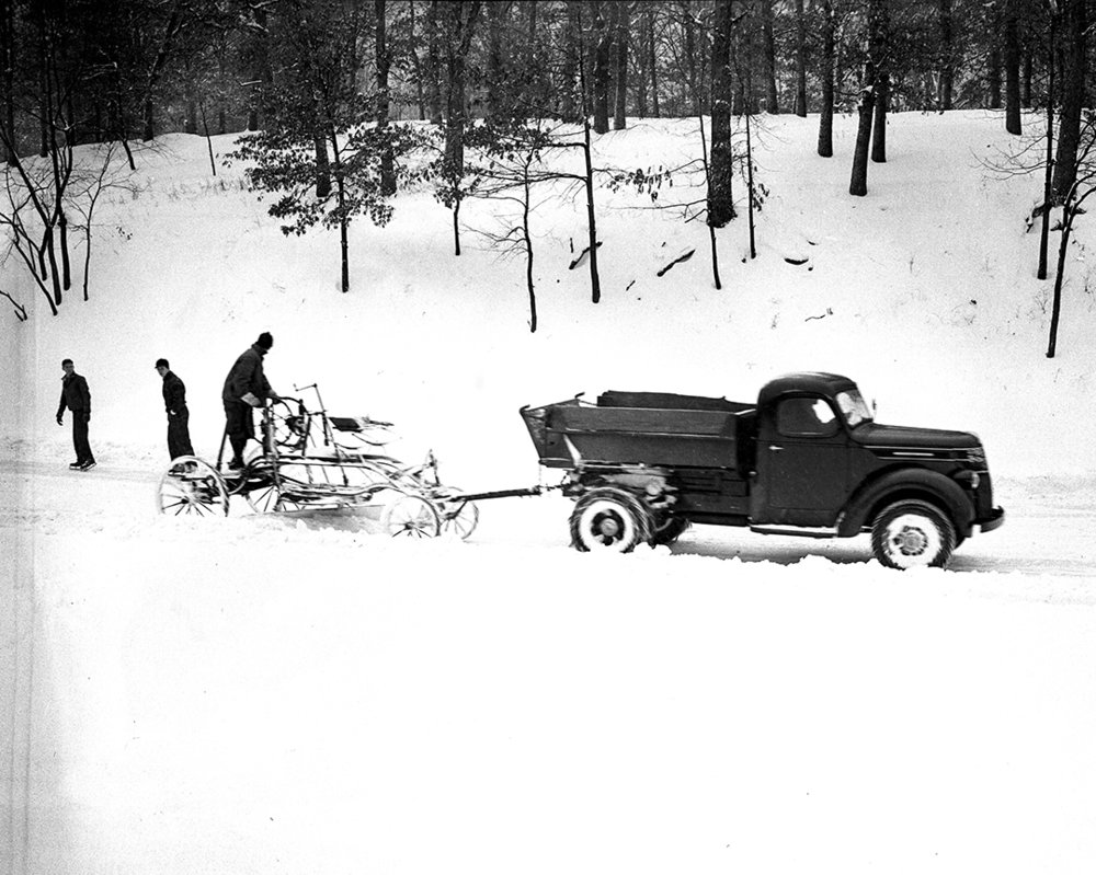 Snow plow, Jan. 7, 1940. File/The State Journal-Register