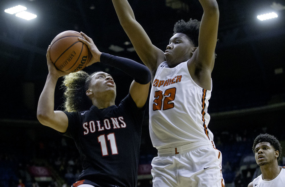 Springfield's Zaire Harris drives to the hoop under pressure from Lanphier's KJ Deberick during the Boys City Tournament at the Bank of Springfield Center Friday, Jan. 18, 2019.  [Ted Schurter/The State Journal-Register]