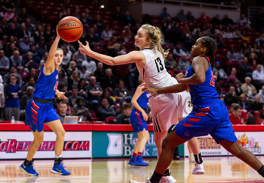 Sacred Heart-Griffin's Payton Vorreyer (13) can't pull in an errant pass under pressure Glen Ellyn Glenbard South's Iman Sellars (23) from in the third quarter during the IHSA Class 3A State Tournament semifinals at Redbird Arena, Friday, March 1, 2019, in Normal, Ill. [Justin L. Fowler/The State Journal-Register]