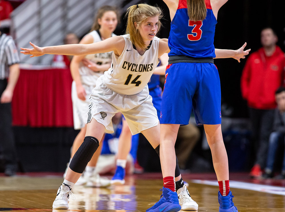 Sacred Heart-Griffin's Addison Scarlette (14) keeps the pressure on Glen Ellyn Glenbard South's Lauren Cohen (3) in the fourth quarter during the IHSA Class 3A State Tournament semifinals at Redbird Arena, Friday, March 1, 2019, in Normal, Ill. [Justin L. Fowler/The State Journal-Register]