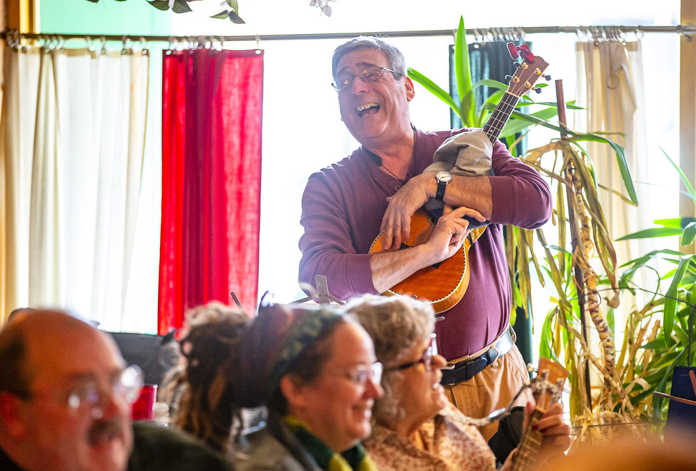 "Ed Euler sings ""That's Amore"" as the Springfield Uketopians perform during their monthly jam at Joe Gallina's Pizza, Saturday, March 9, 2019, in Springfield, Ill. The Springfield Uketopians have members from all over the state that travel to sing and play the ukulele during their  monthly jam on the second Saturday of each month which is open to the and the public to join in. [Justin L. Fowler/The State Journal-Register]"