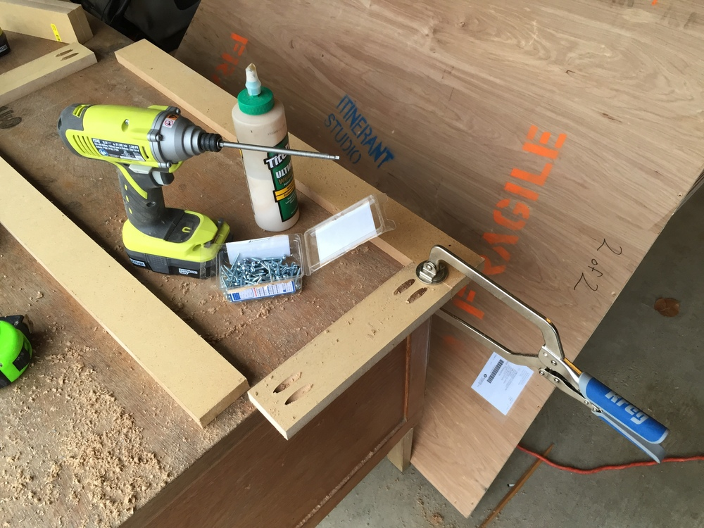 how to make a router jig for door hinges