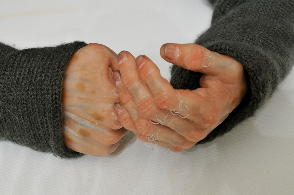 Image 3 Winston Hands.jpg
