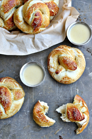 Beer Pretzels with Drunken White Cheddar Sauce