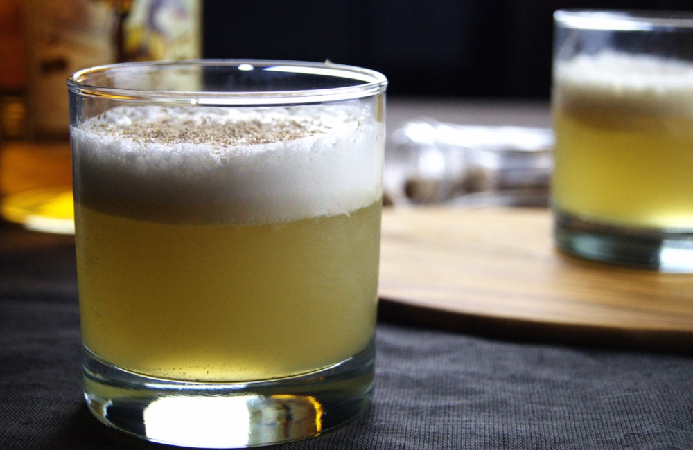 Foamy Blanket Cocktail (Rum Nog Sour)
