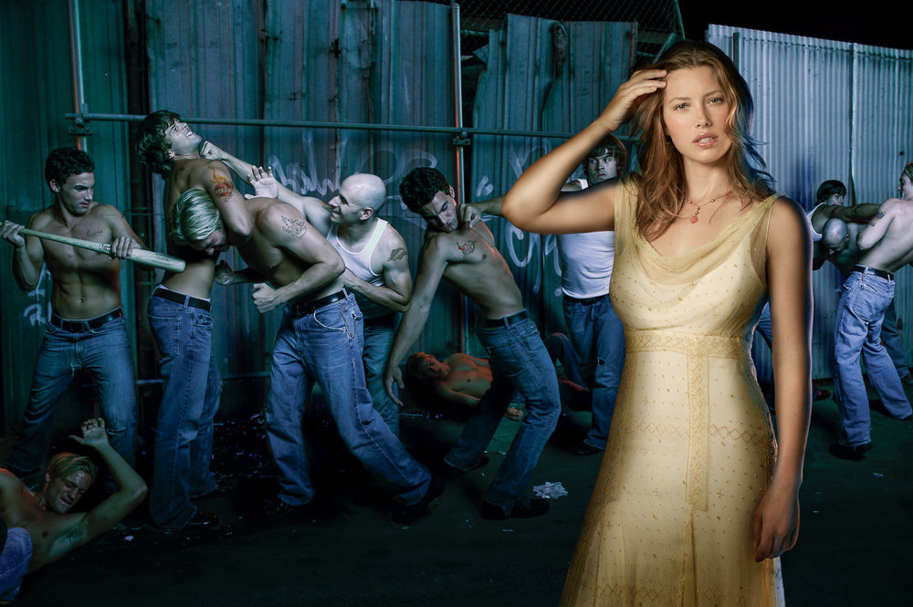 JESSICA BIEL –  EVERYBODY LOVES JESS
