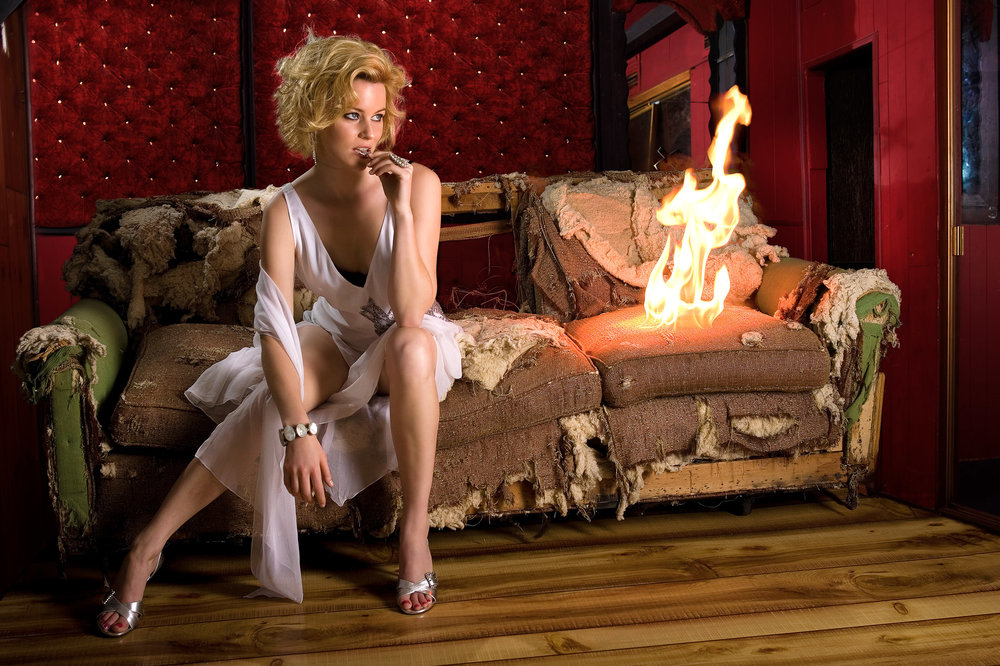 ELIZABETH BANKS –  SPONTANEOUS SEDUCTION