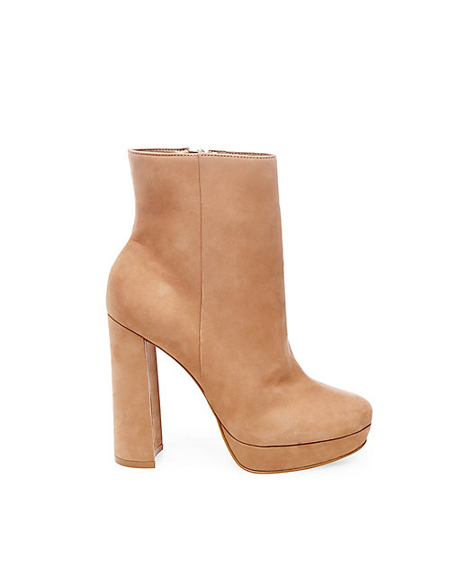 STEVEMADDEN-BOOTIES_GWENDLY_TAN-NUBUCK_SIDE.jpeg