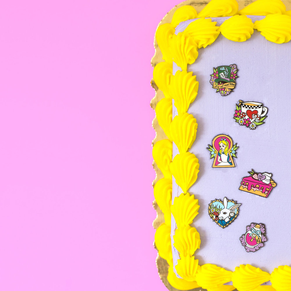 Punky+Pins+Alice+In+Wonderland+Pins+On+Cake+1.jpg