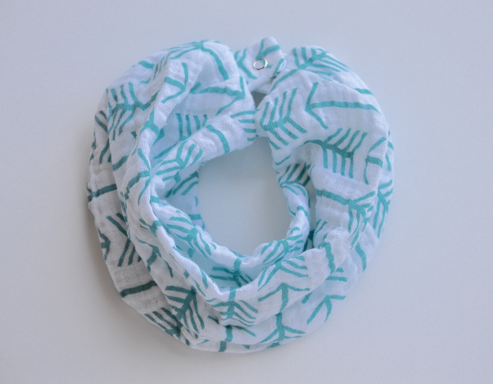 White & Teal Arrow Muslin Scarf Bib