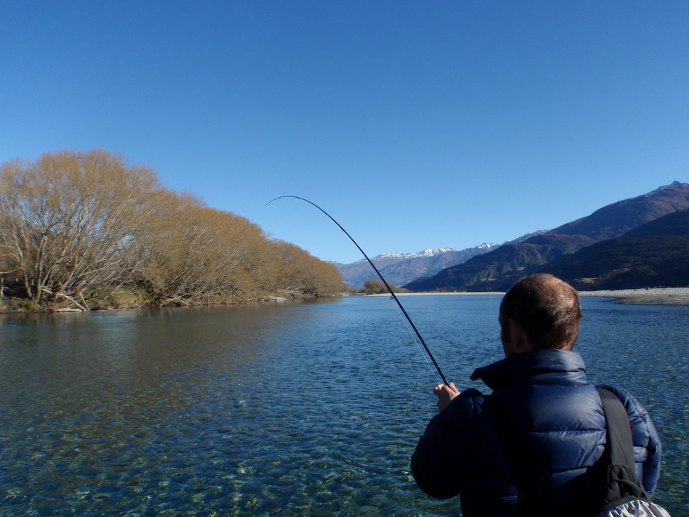 Winter time fly fishing around wanaka aspiring fly for Winter fishing gear