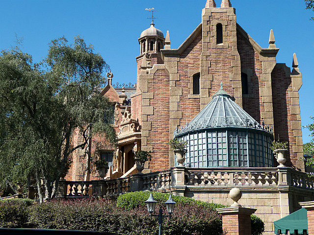 2.1414916064.haunted-mansion.jpg