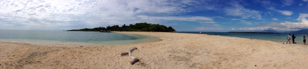 Panoramic View of the Sandbar in Magalawa Island