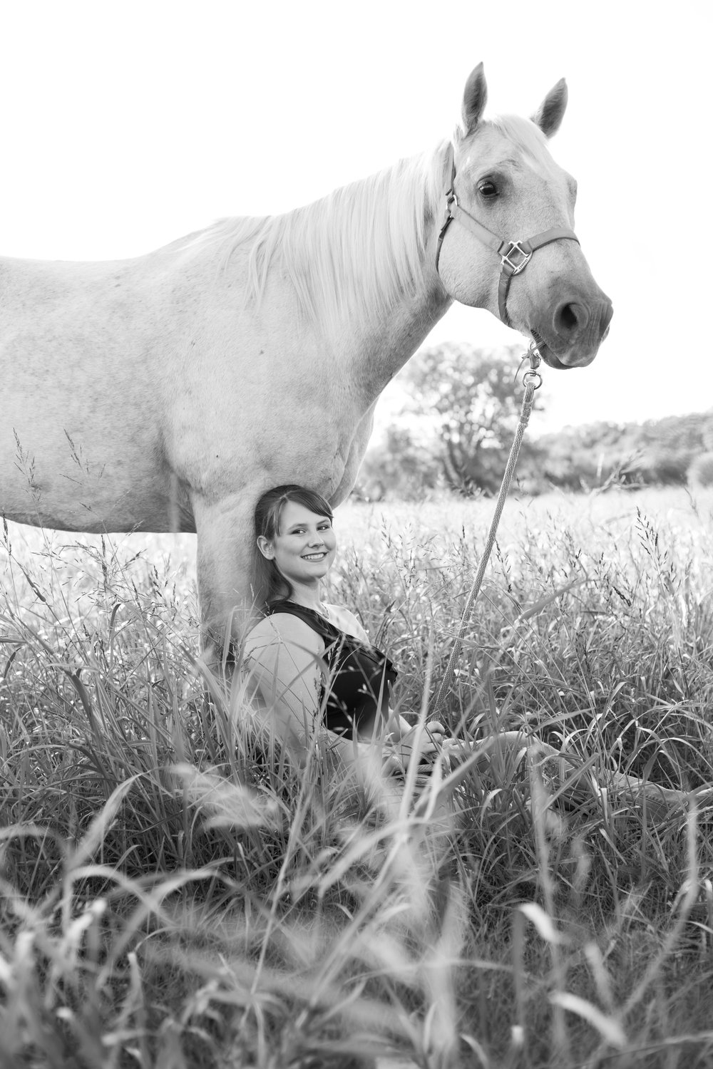 Kirsten Senior Photos BW (15 of 60).jpg