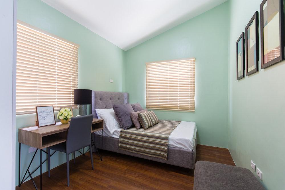 Anika Room1small.jpg